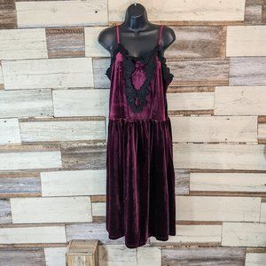 Romeo & Juliet Couture Velvet Gothic Dress NWT